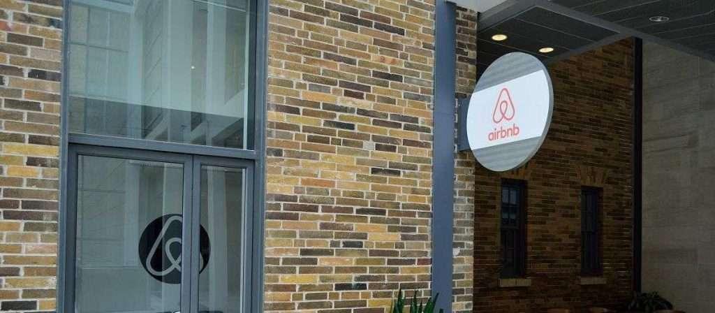 Airbnb | Φεύγουν από το Airbnb οι Έλληνες ιδιοκτήτες