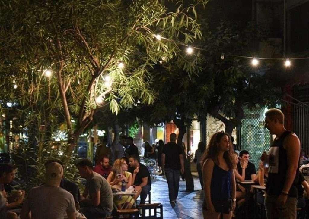 Covid-19: Οι αλλαγές στο ωράριο λειτουργίας σε μπαρ, εστιατόρια, θέατρα