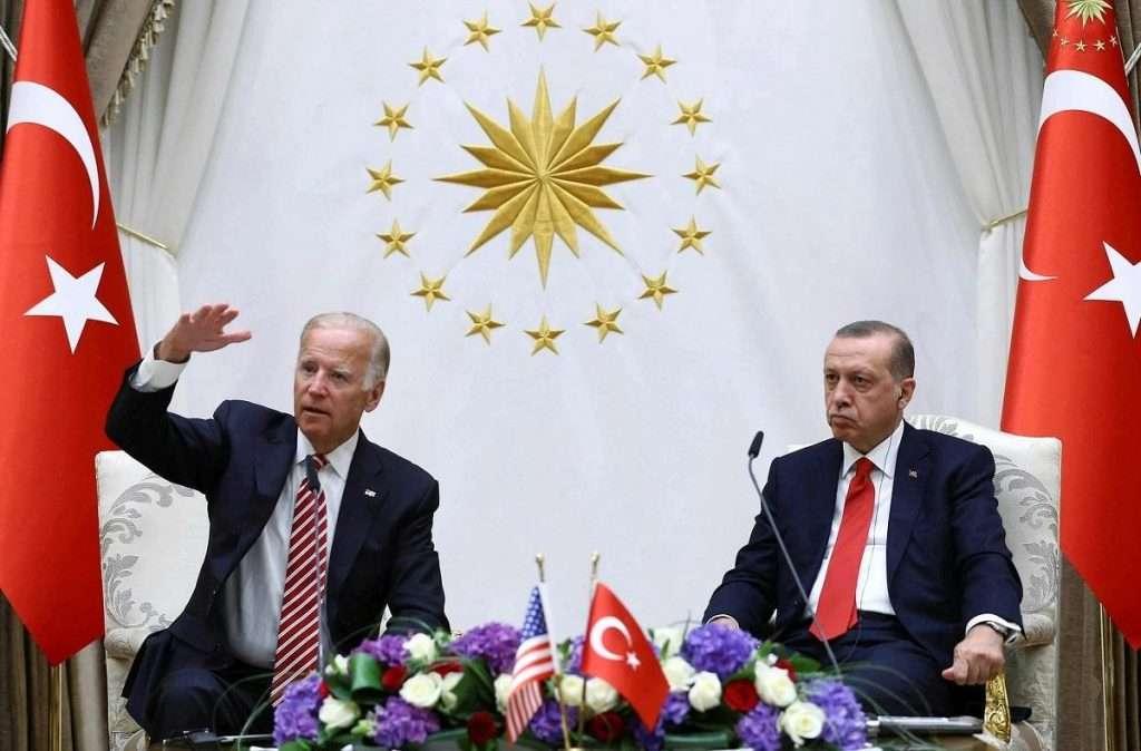 Foreign Policy | O Μπάιντεν δεν έχει περιθώριο ηθικού συμβιβασμού με τον Ερντογάν