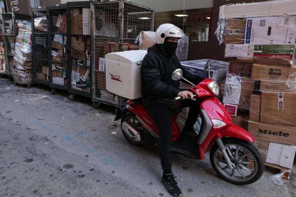 Κούριερ -Μεταφορικές | Γιατί πάτωσαν στην Ελλάδα ενώ απογειώνονται διεθνώς;