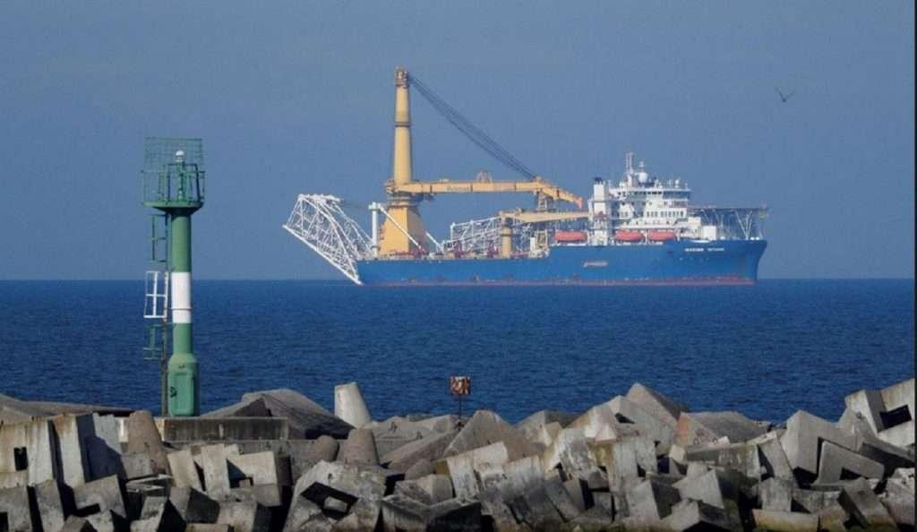 ΦΩΤΟΓΡΑΦΙΑ ΑΡΧΕΙΟΥ: Το σκάφος τοποθέτησης σωλήνων Akademik Cherskiy που ανήκει στην Gazprom, το οποίο η Ρωσία μπορεί να χρησιμοποιήσει για την ολοκλήρωση της κατασκευής του αγωγού φυσικού αερίου Nord Stream 2, εμφανίζεται σε έναν κόλπο κοντά στο λιμάνι της Βαλτικής Θάλασσας του Baltiysk, στην περιοχή του Καλίνινγκραντ, στη Ρωσία στις 3 Μαΐου 2020. REUTERS / Vitaly Nevar / Φωτογραφία αρχείου