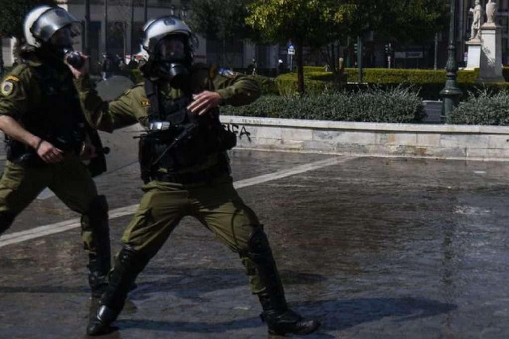 Η Αστυνομία του Χρυσοχοΐδη;   4 μέτρα για τον περιορισμό της αστυνομικής βίας