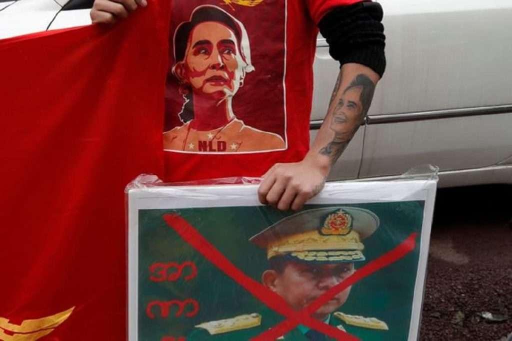 Μιανμάρ | Η χούντα έκλεισε το Ιντερνετ και τα social media | Oι διαδηλώσεις φουντώνουν