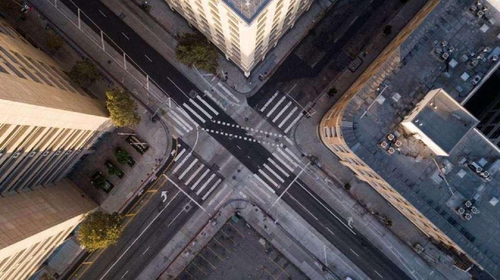 Politico: Ο θάνατος των πόλεων-Πώς η πανδημία και η τηλεργασία θα μεταμορφώσει τις πόλεις.