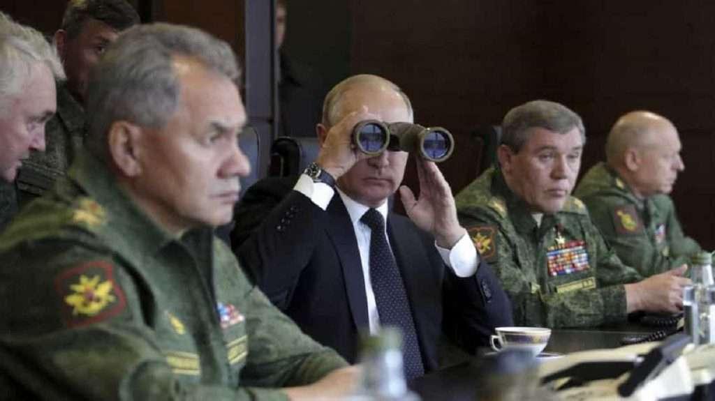 Bloomberg | Ο Πούτιν τολμά εκείνο που δεν τόλμησε ούτε η Σοβιετική Ένωση