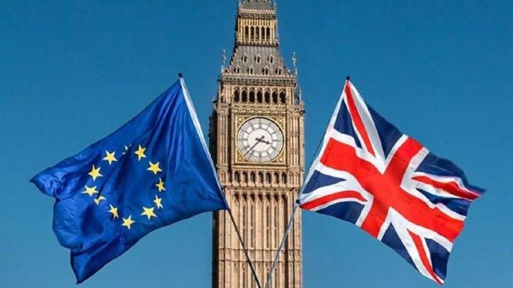 Ποιο λάθος κάνουν Βρετανία και ΕΕ με το εμβολιο της AstraZeneca