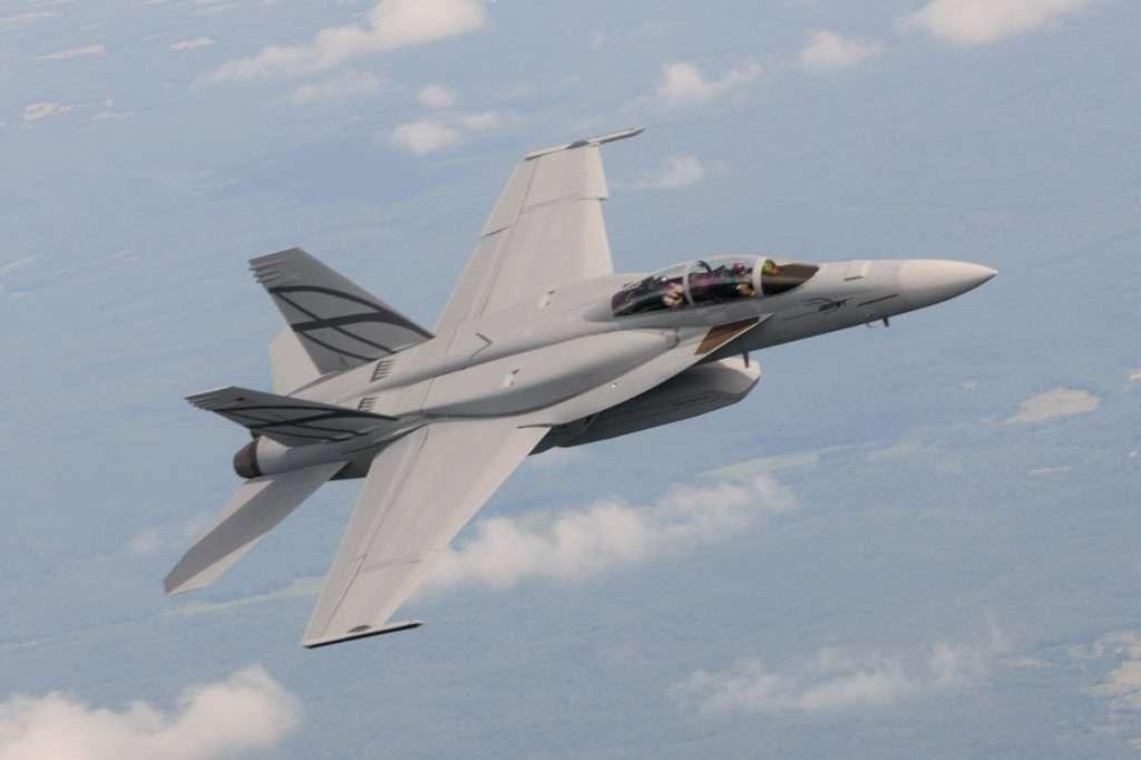 F-18 | Tι θα είχε γίνει αν η Ελλάδα είχε επιλέξει το F/A-18 αντί των F-16/Mirage2000 το 1985 :