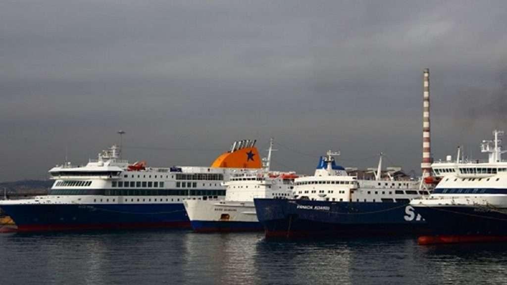 Η ναυτιλία μικρών αποστάσεων και η ακτοπλοΐα ασφυκτιούν