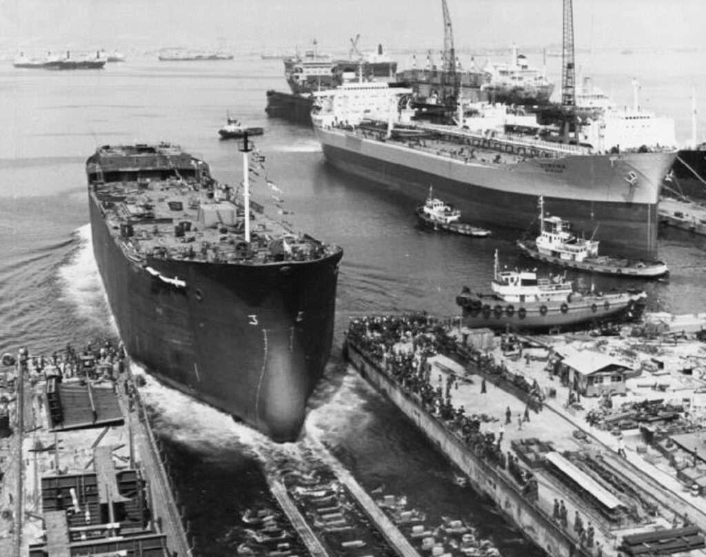 Η ιστορία ντροπής των ναυπηγείων του λαού