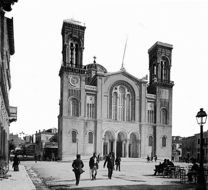 Η Μητρόπολη Αθηνών χτίστηκε στην Πλάκα γιατί η Πανεπιστημίου θεωρήθηκε ερημική περιοχή | 20 χρόνια μέχρι να αποπερατωθεί