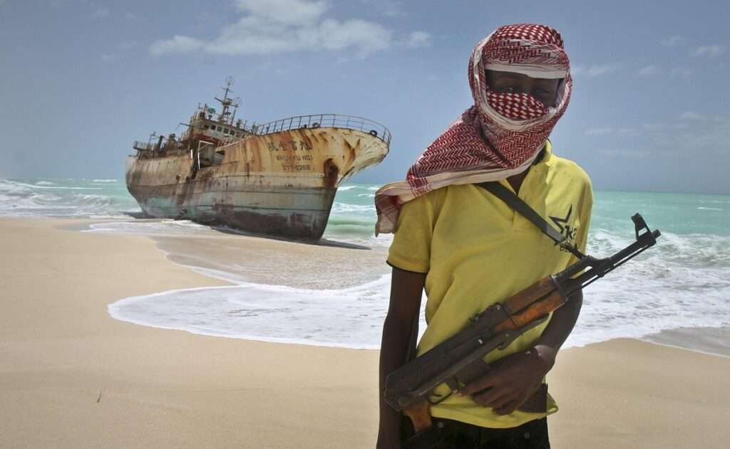 Πώς παραλαμβάνουν τα λύτρα και πληρώνονται οι Σομαλοί πειρατές;