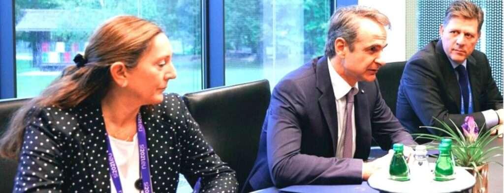 Η Άννα-Μαρία Μπούρα αναλαμβάνει τις διπλωματικές αποστολές του Μαξίμου